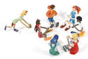 """""""Corre cotia: É uma brincadeira de pega-pega em forma de ciranda. Para começar, vamos precisar de um lenço ou um pedaço de pano. Brinca-se assim: As crianças formam uma roda e sentam no chão, menos uma; A criança que sobrou corre pelo lado de fora da roda com o lenço na mão, ao ritmo da ciranda: Corre cotia; Na casa da tia; Corre cipó; Na casa da avó; Lencinho na mão; Caiu no chãoMoça(o) bonita(o) do meu coração Criança: Posso jogar?Roda: Pode!Criança: Ninguém vai olhar?Roda: Não!"""""""