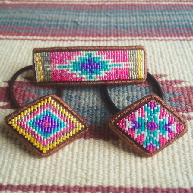 刺繍 #beads #beadwork #ビーズ刺繍 #handmadeaccessories #handmade #エスニック #オルテガ #ビーズ #ヘアゴム #ネイティヴ #バレッタ#ビーズ#ヘアゴム