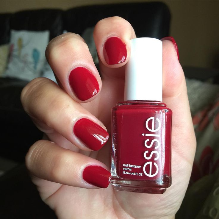 Red Nail Polish On Thumb: Best 25+ Short Red Nails Ideas On Pinterest