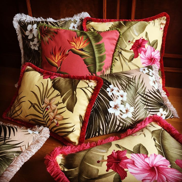 ALOHA 🍍bring color to your life! Tropical pillows available at pineapplelane.tictail.com visit: pineapple-lane.de