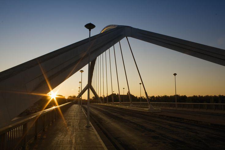 Puente de la barqueta al amanecer Sevilla. Spain