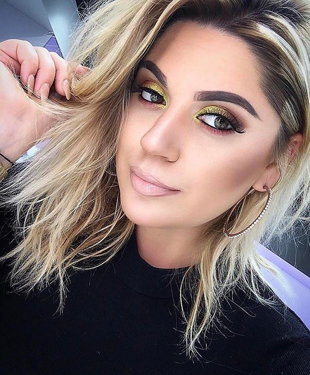 @__poppink_inla rocking KIKO products 😍😍😍 Get her look using our Anti Aging Foundation in Neutral 50 mixed with the #LessIsBetter #01 highlighter, Flawless Fusion Bronzer in #06 and 3D  Hydra Gloss in #03  If you have a look you want to share with us, please tag us at @KIKOMILANOUSA with hashtags #KIKOTrendSetters #KIKOmilano #KIKOUSA to be next in being featured on our page 💄👄💋 #KikoMilano #beautylook #instabeauty #makeup #beauty #mua #makeupguru #makeupblog #matite #lipstick #brushes…