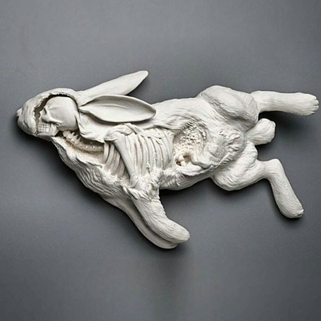 Porcelain sculpture by @katemacdowell repost from @staytruetotheart