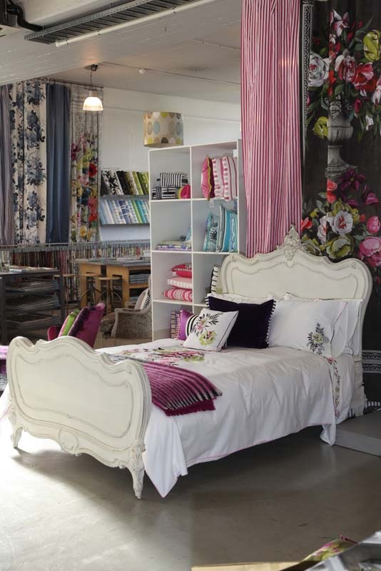 vintage bed frame, would love to find a bed like this for Kaley.