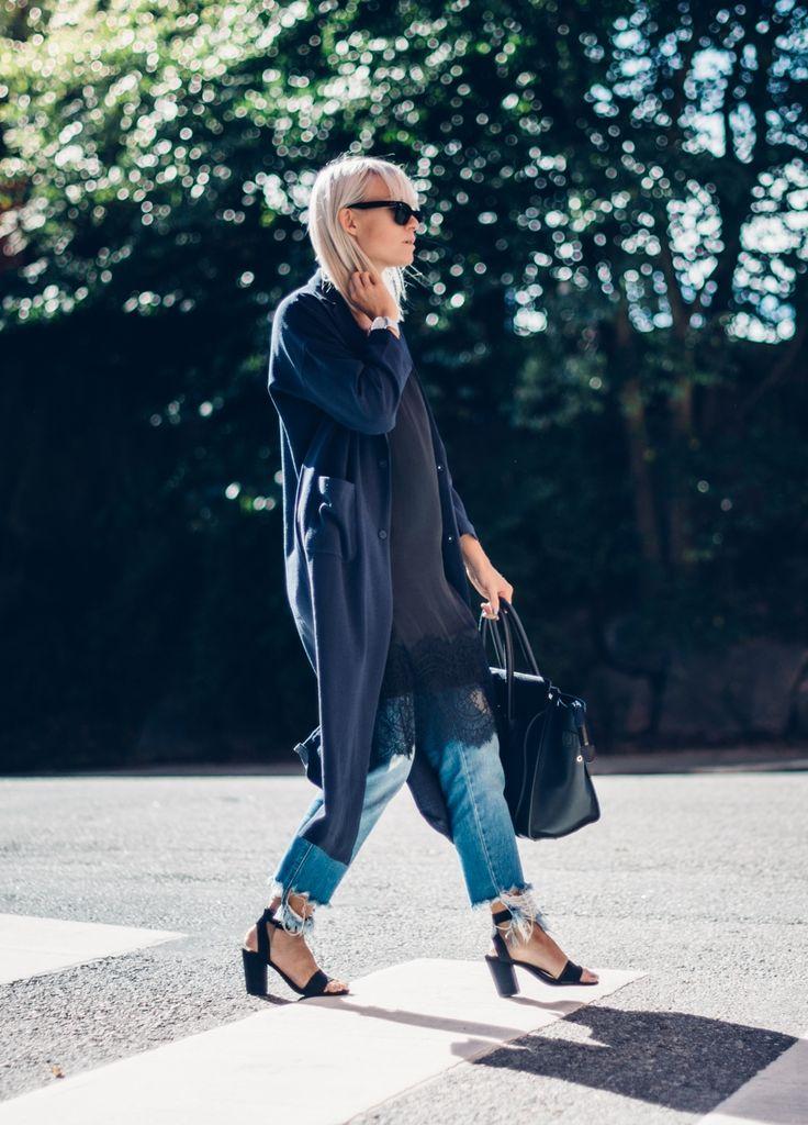 outfit, street style, blond hair, long bob, ray ban, wayfarer, ripped jeans, heels, sandals, ripped denim, celine, handbag, street, sunny day, sunshine, autumn, fall