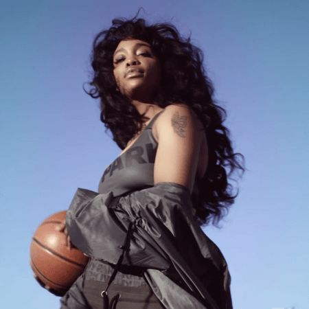 video-gorgeous-new-ivy-park-ad-features-selah-marley-yara-shahidi-sza-and-chole-x-halle
