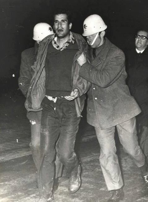 Turkey's Che Guevara Deniz Gezmis being dragged towards his execution 1972 (478  652)