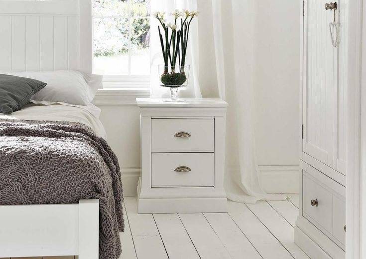Best Antique Narrow Nightstand For Small Spaces Furniture 400 x 300