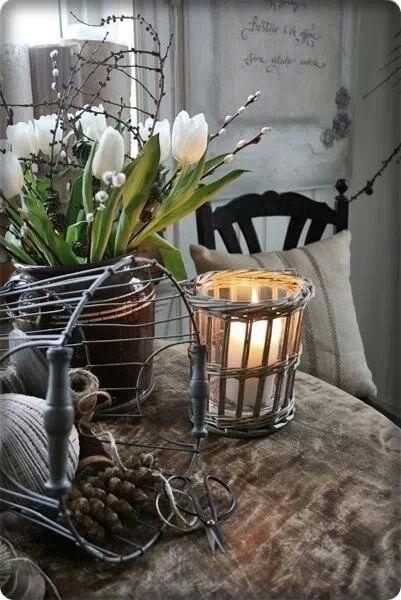 Huisje kijken~~~~White tulips are wonderful here.  I love this vignette~~~