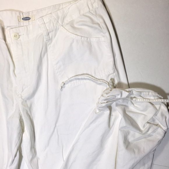 White Old Navy Cargo Pants Only worn a few times, but they don't look worn at all. In great condition. No stains or holes. These come down to mid-calf.  ✅ Bundle and save on shipping! ✅ All reasonable offers are considered.  ✅ I always ship right away.  ❌ Trades ❌ Lowballing Old Navy Pants