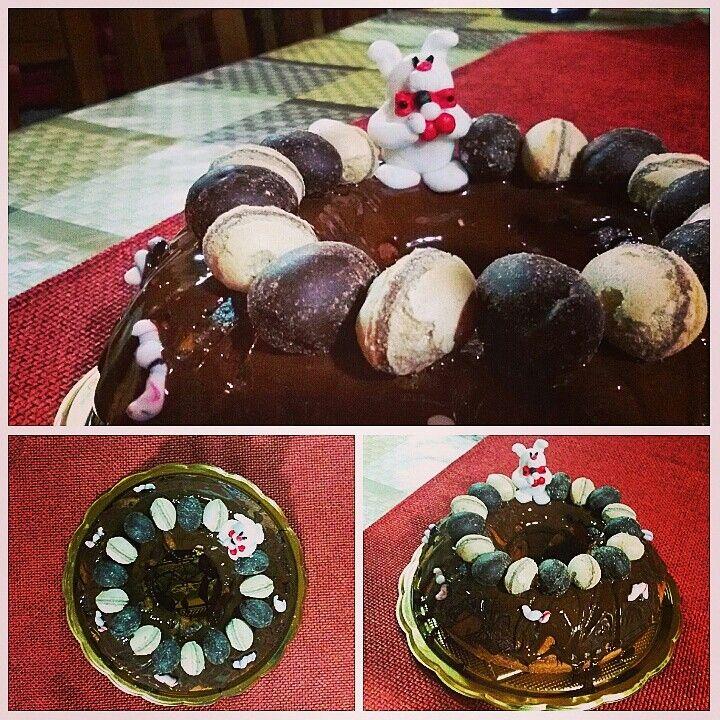 Un coniglietto di pasta di zucchero e un ciambellone al cioccolato per festeggiare la nostra pasqua!  #ciambellone #chocolate #cioccolato #cooking #recipes #ricette #sweet #dolci #pasticceria #bakery #bake #foodbloggher #tastyfood #pastry