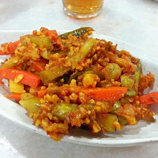 レシピとお料理がひらめくSnapDish - 8件のもぐもぐ - アチャアチャ。マレーシア、ニョニャ料理。ピリ辛ピーナツソースであえたサラダ。 by korino