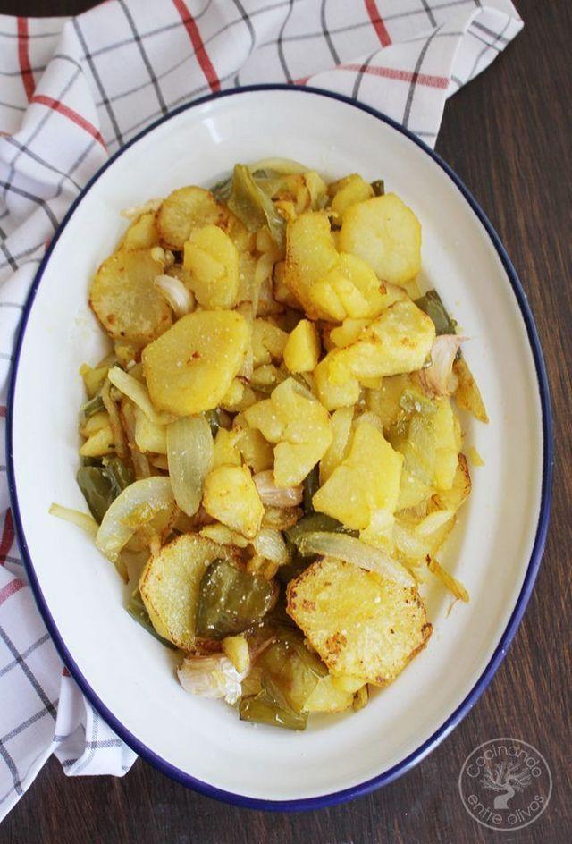 Cómo Hacer Patatas A Lo Pobre Receta Tradicional Cocinando Entre Olivos Recetas Con Patatas Faciles Recetas Con Patatas Patatas