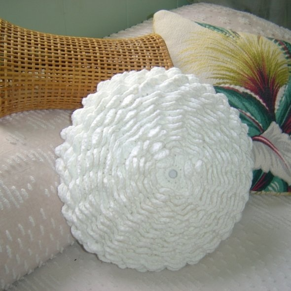 Crochet Pillow : White DIY Crochet Flower Pillow Crochet Pillows Pinterest
