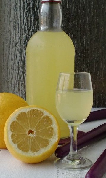 Zapraszam na bardzo prostą domową nalewkę na wódce o pysznym cytrynowym smaku.