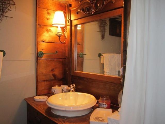 Small chalet lake house interior lake house ideas pinterest - Small lake house interiors ...