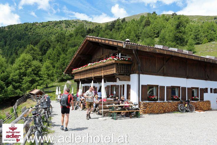 Einkehr auf der Rescher Alm in Südtirol - http://www.adlerhotel.at/region-reschenpass.html