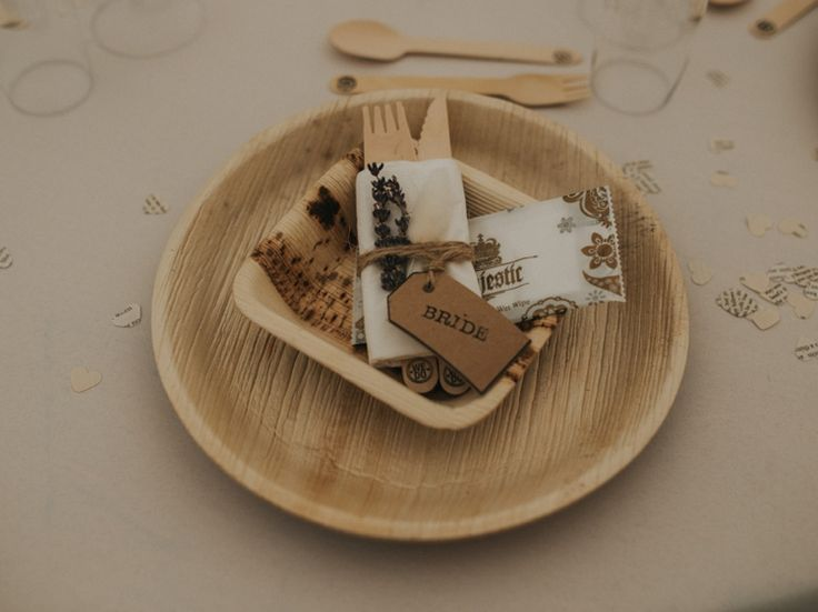 Eco Green Tablewear Bamboo Wood Plates Cutlery Creative Relaxed Child Friendly Wedding http://www.brookrosephotography.co.uk/