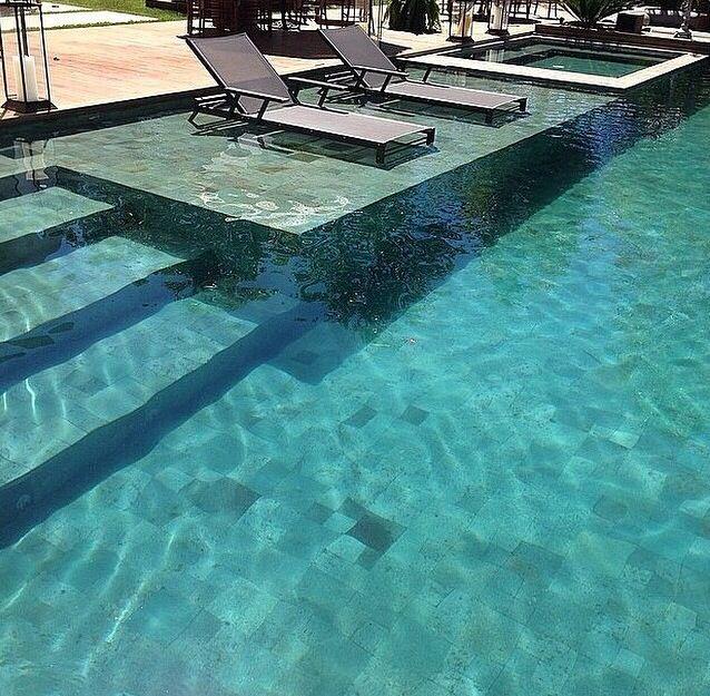28 best ideas about piscinas pedras naturais on pinterest for Piscinas lindas