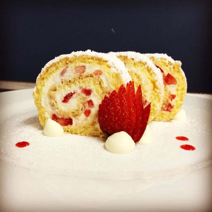 Strawberry Swiss roll  - Le Cordon Bleu