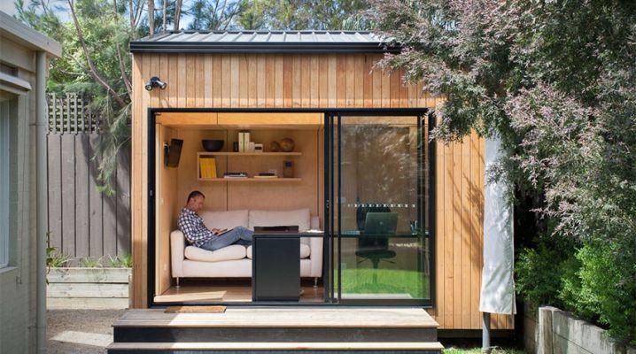 bungalow de jardin contemporain en bois avec grande baie. Black Bedroom Furniture Sets. Home Design Ideas