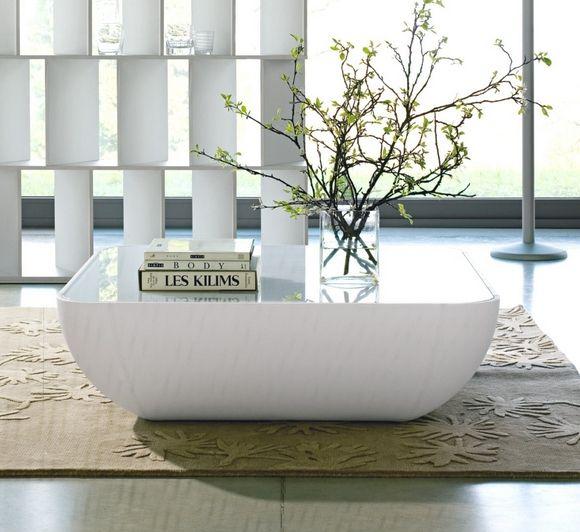 design couchtisch wohnzimmer wei hochglanz vase zweige - Designer Couchtisch Tiefen See