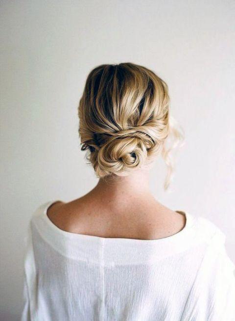 Summer hair-do: twisted messy bun