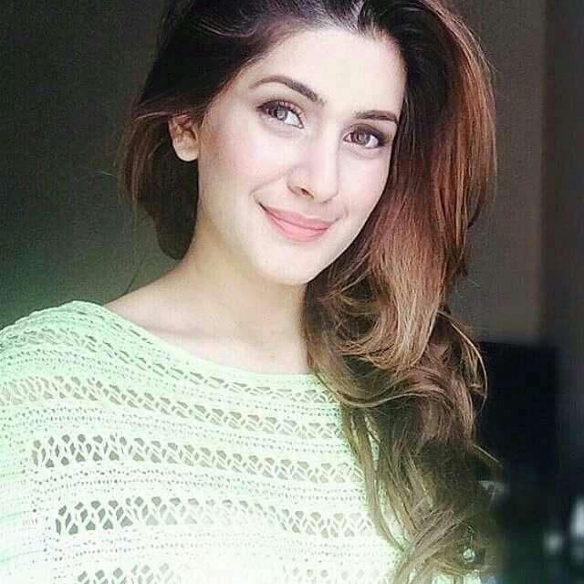 HQ pictures gallery Kubra Khan