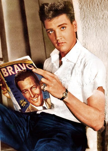Elvis >>> Always loved Elvis. Was devastated when he passed.
