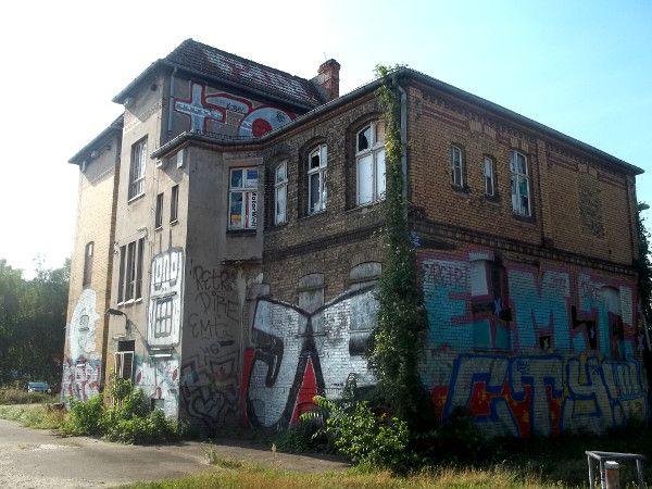 246 best discovering east berlin images on pinterest. Black Bedroom Furniture Sets. Home Design Ideas
