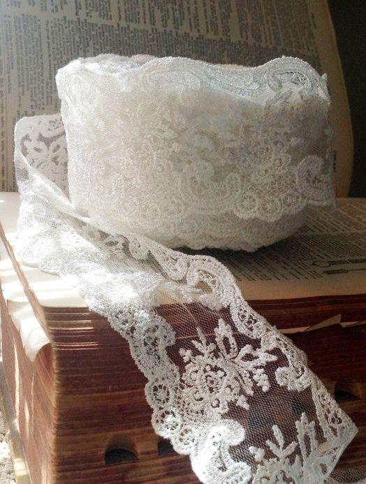 Best 25 Lace Trim Ideas On Pinterest Black Lace Gown White Lace Tops And Black Autumn Dresses