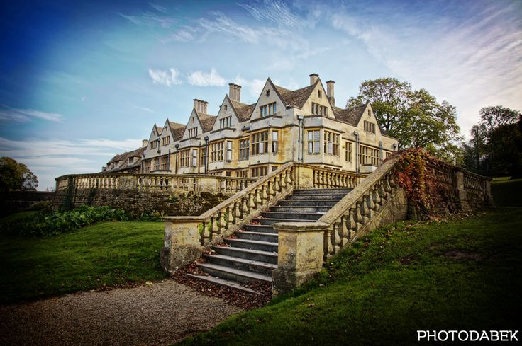 56 best coombe lodge wedding venue images on pinterest lodge a stunning halloween wedding from markin dabek photography solutioingenieria Gallery