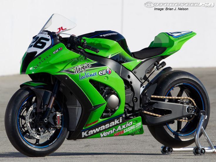 I'm not much of a Kawasaki Ninja fan, but lately I've seen a few of these around town and they are looking FINE!     Ninja ZX 10-R