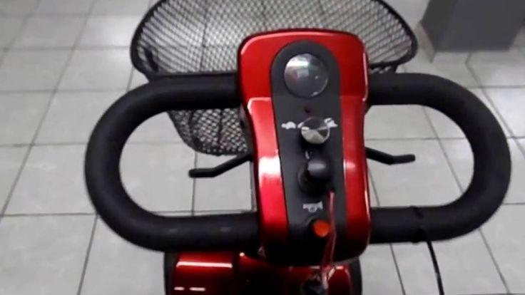 Cadeira de Rodas modelo scooter elétrica