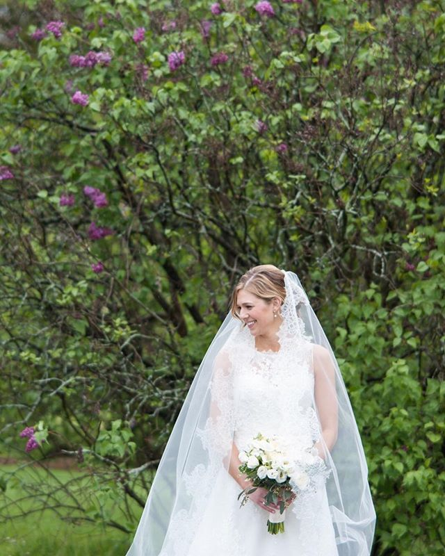 Bridal Portrait / Outdoor Spring Wedding by Wendy Zook Photography @ Highland Park, Rochester New York   #highlandpark #wendyzookphotography  #rochesterweddingphotographer #marylandweddingphotographer #frederickmaryland #bride #bridal #bridephotos #bridalphotos #cathedralveil