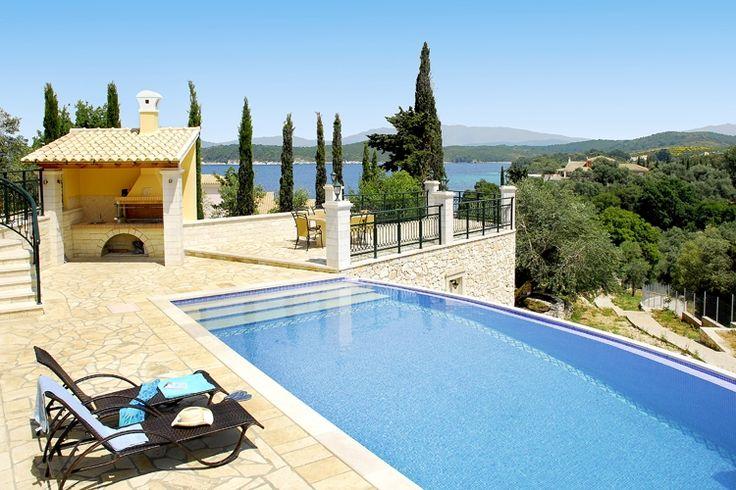 Description: Luxe grote vakantievilla met privé zwembad en zeezicht. In Villa Argiro geniet je van een vakantie op hoog niveau. Stijlvol vakantiehuis met privé zwembad aan de mooie kust van Corfu Zoek je een vakantievilla waar je al ben je met z'n tienennog steeds lekker de ruimte hebt?Een met veel privacy met een privézwembad en een uitzicht om van te dromen? Villa Argiro gelegen vlakbij het gezellige dorp Kassiopi en het fijne strand van Soukiais dan de villa die je zoekt. Vanaf de grote…