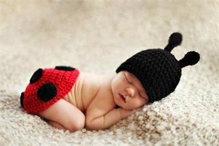 Baby Girls Ladybug Crochet Hat and Diaper by ButterfliesnLadybugs, $22.00