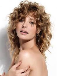 Risultati immagini per capelli mossi