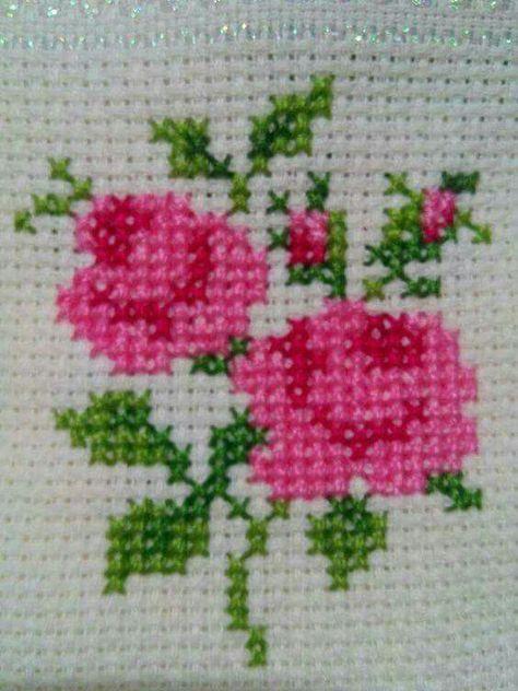 Χειροτεχνήματα: Λουλούδια σταυ  