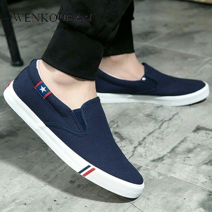 Sepatu Slip On Pria Wenkouban Men Canvas Shoes White Sneakers