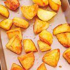 Perfect gebakken aardappels uit de oven, uit het kookboek 'Gizzi's keukenmagie'. Kijk voor de bereidingswijze op okokorecepten.nl.