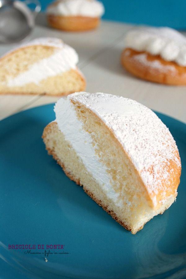 I maritozzi alla panna Roman Maritozzi, a typical breakfast roman brioche filled with sweet sour cream