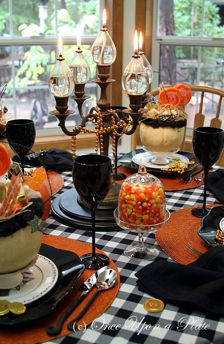 Halloween Greetings ~ Tablescape Thursday