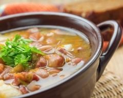 Soupe de haricots rouges http://www.cuisineaz.com/recettes/soupe-de-haricots-rouges-23429.aspx