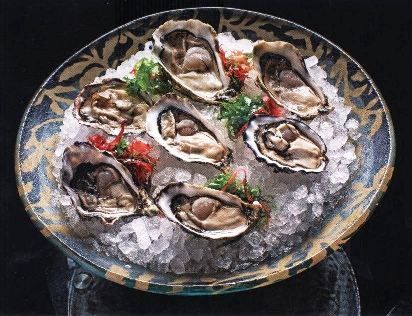 Oyster plate design by Glass Studio for Banyan Tree Macau | Glass Dinnerware Solutions For Restaurants