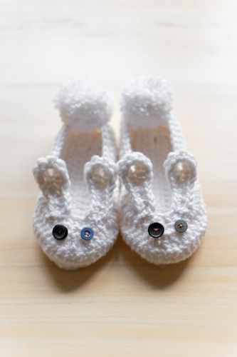 Free Crochet Pattern For Bunny Slippers : 1000+ images about crochet slippers on Pinterest Ravelry ...