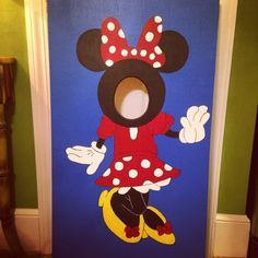 Minnie Mouse 'Face-in-the-Hole' for a two year-old's birthday party!