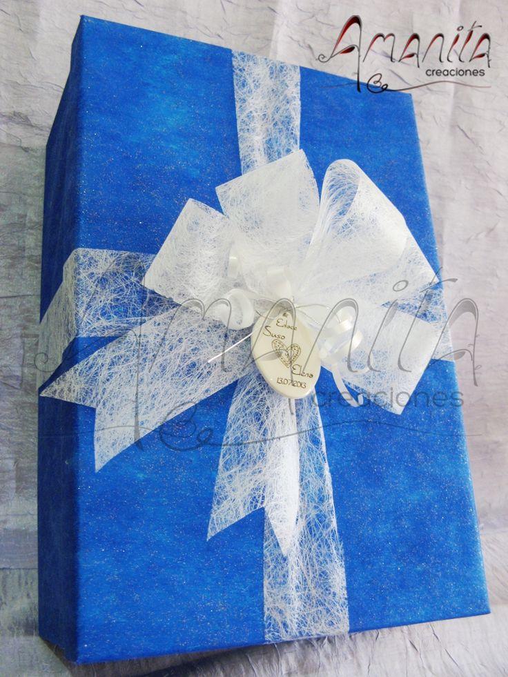 Caja decorada a mano para las copas de boda copas for Copas decoradas a mano
