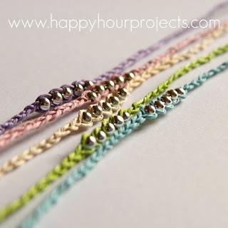 Zelf maken met WAXKOORD en KRALEN - freubelweb. Other craft ideas too.  Ankle bracelet.