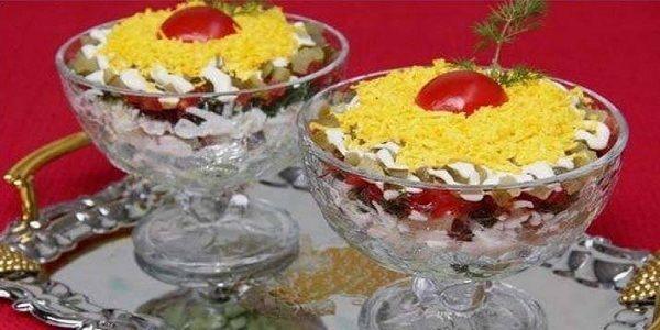 """Салат «Ураган» необычный и вкусный! Оригинальный и потрясающе вкусный салат, который заменит традиционную """"Шубу""""."""